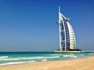 Sieben-Sterne-Hotel im Meer: Das Burj Al Arab.
