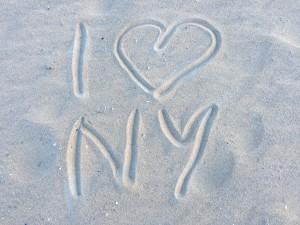 In den Sand von Coney Island gemalt. Mein Liebeserklärung an New York.