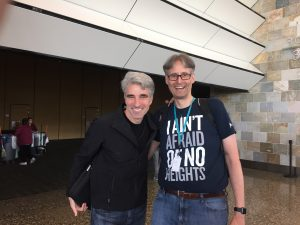 Michi und Apples Software-Chef Craig Federighi