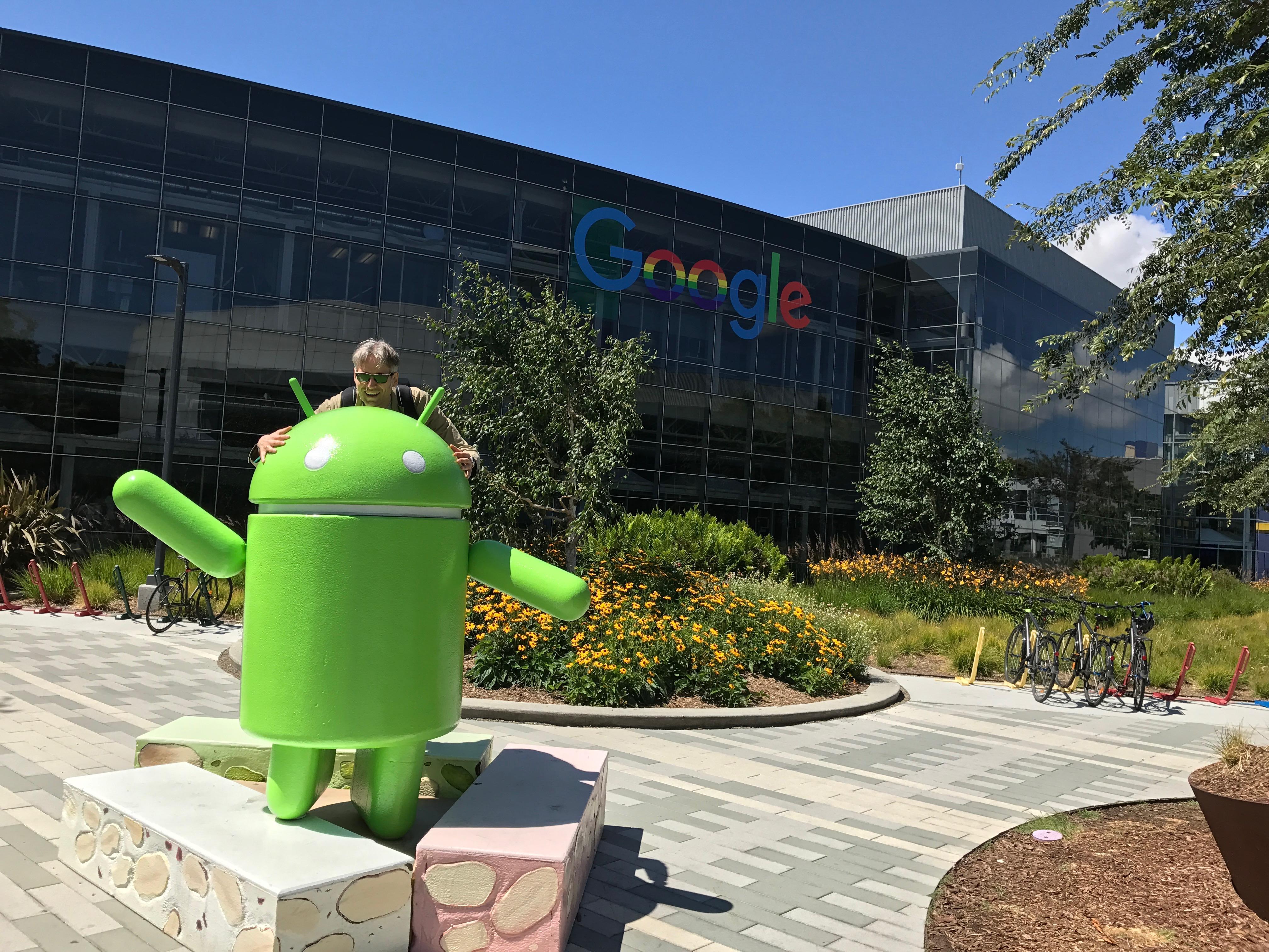 Michi auf dem Google-Campus.